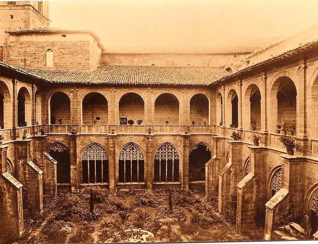 Nájera. Claustro de Santa María. 1907