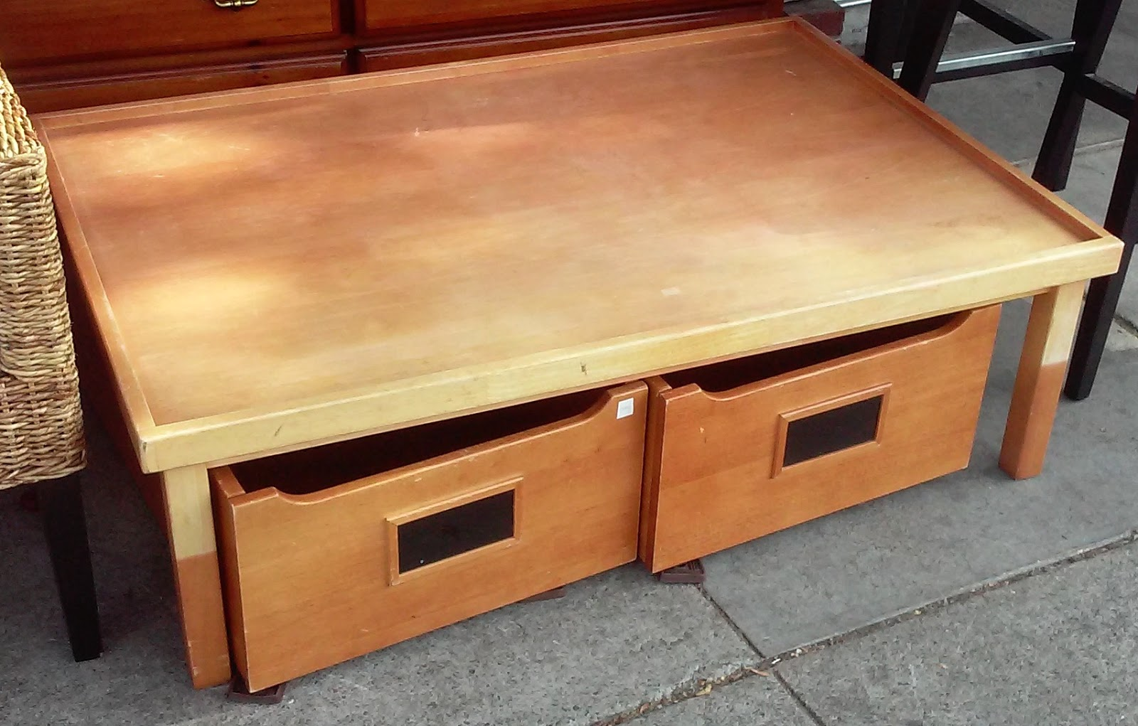 Uhuru Furniture Collectibles Sold Bargain Buy 7563 Coffee Table With Rolling Drawer
