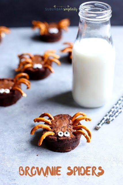Easy to make brownie spiders are a fun Halloween treat!