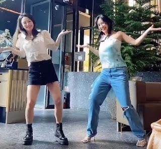 SNSD Yuri and Hyoyeon Dessert