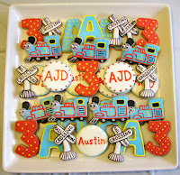 Thomas the Train Sugar Cookies- www.thecreativeconfectionista.com