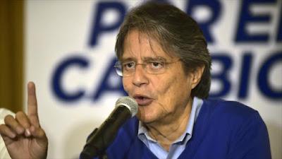 Ecuador multa a medios que ocultaron información sobre Lasso