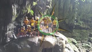 Di Green Canyon Terdapat beberapa pilihan wahana diantaranya: Perahu green canyon, Paket Semi body rafting green canyon,Paket Full body rafting green canyon,