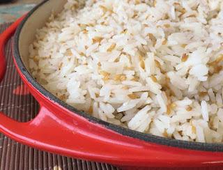https://www.receitaonlinee.com/2018/09/arroz-com-linhaca.html