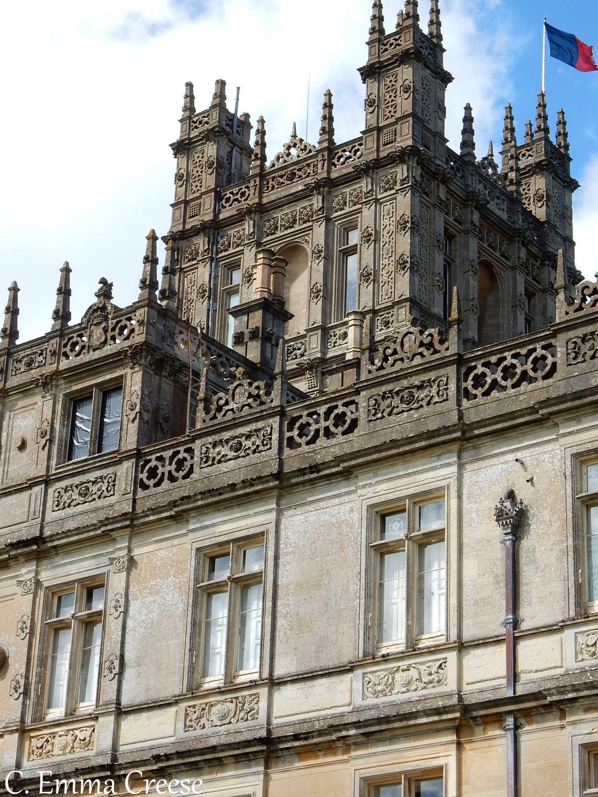 Visiting Downton Abbey (aka Highclere Castle) - an ultimate England bucket list item