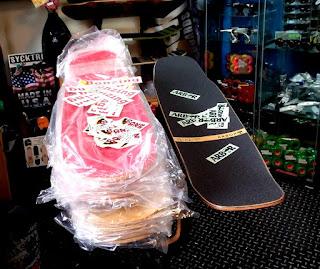 熱すぎて本国在庫なしのハイブリッドデッキとボンジングスケートボード