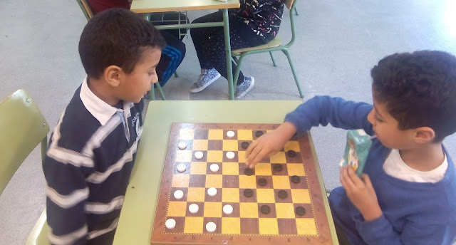 http://efantigua.blogspot.com.es/2018/03/torneo-de-damas-y-ajedrez.html