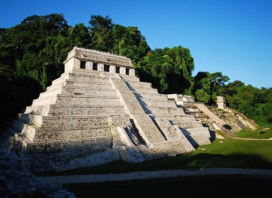 Un tunnel pour l'eau découvert sous le tombeau de Pakal à Palenque