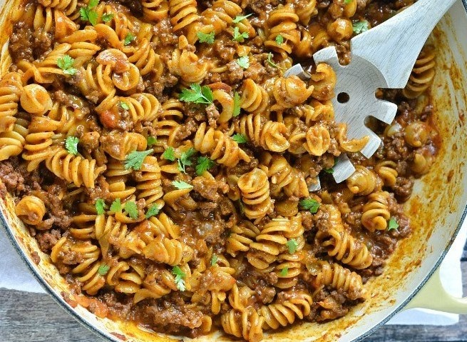 One-Pot Cheesy Taco Pasta #pasta #dinner
