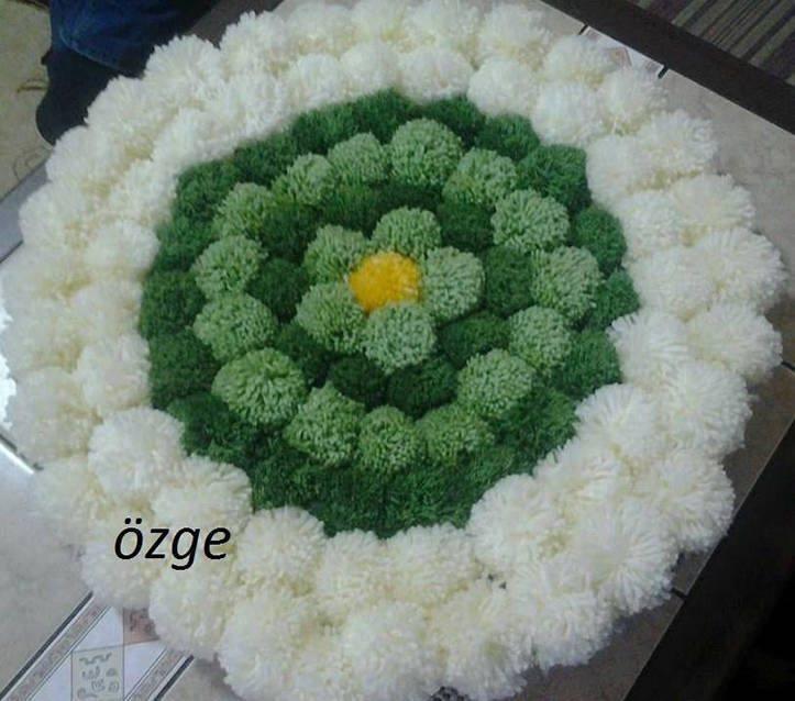 37339f091e6d3 Trabalhos artesanais -Pompons de lã! - Nyzynha Rose