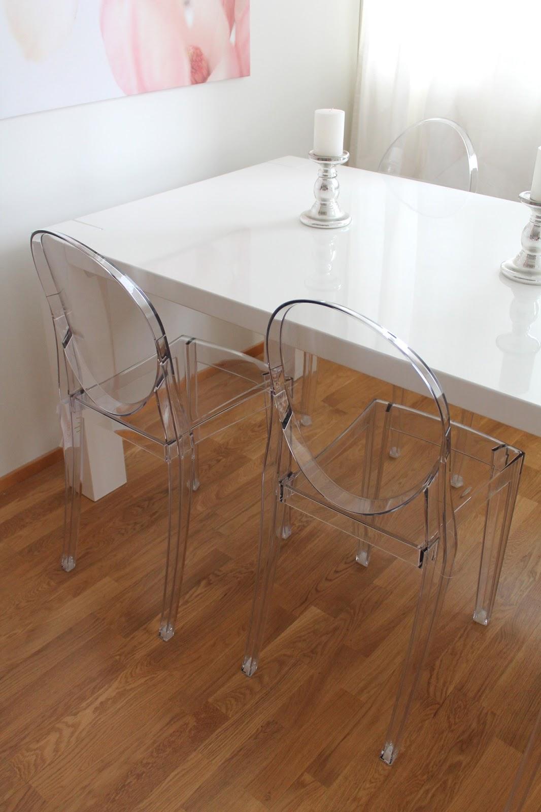 kartell victoria ghost coconut white. Black Bedroom Furniture Sets. Home Design Ideas