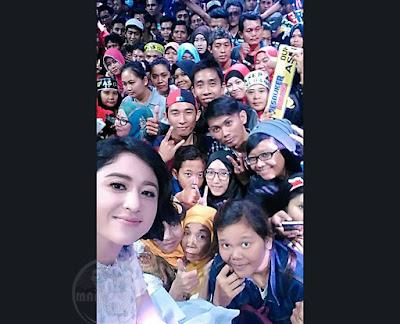 Dewi Persik dan Pesbuker Subang saat jeda iklan...