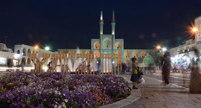Vista nocturna de Yazd