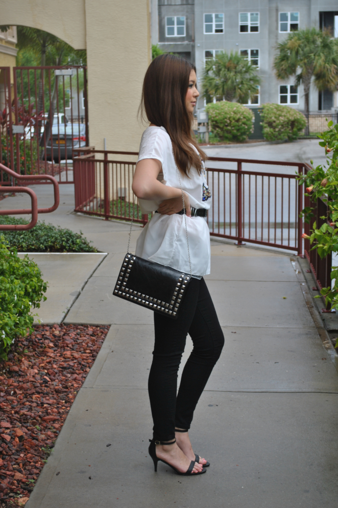 double c shirt,charlotte russe skin tight legging, White Batwing Sleeve Rhinestone Double C Print Dress, SheIn, Studded bag, Strap Sandals, Black Skinny Jeans