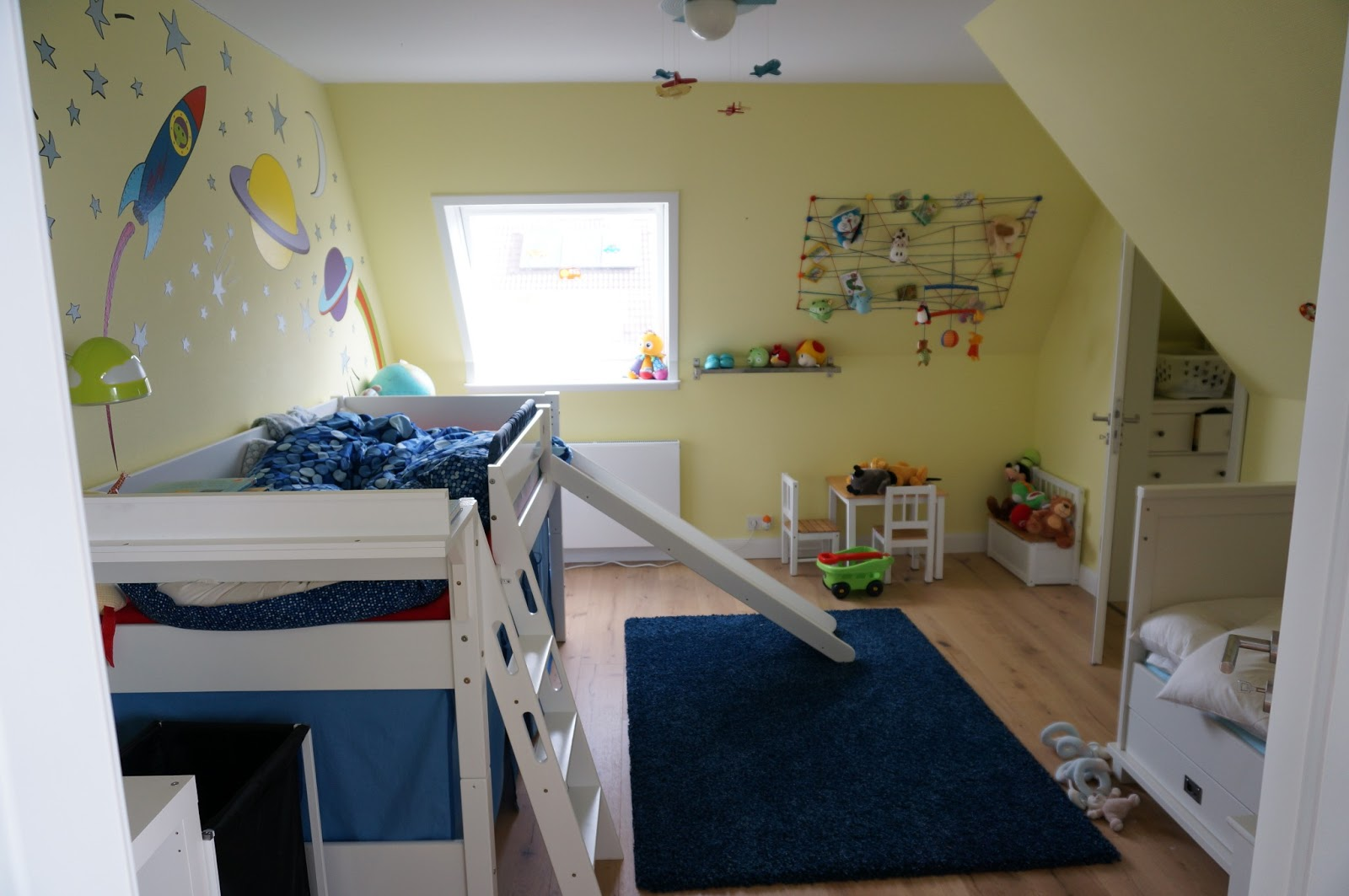 wir wollen nur spielen kinderzimmer f r 2 jungs. Black Bedroom Furniture Sets. Home Design Ideas