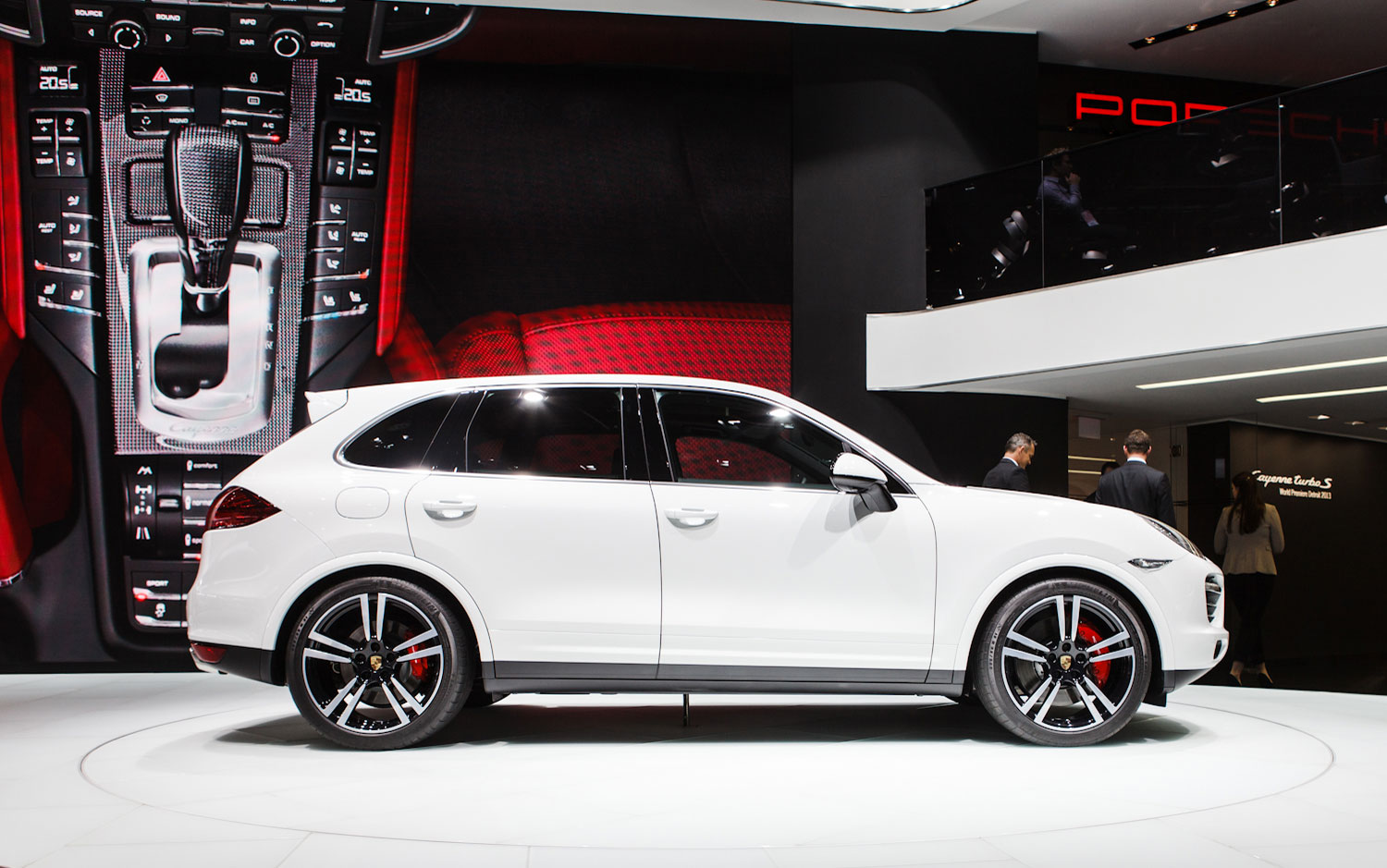 cars model 2013 2014 146 975 porsche cayenne turbo s debuts in detroit cayenne is top porsche. Black Bedroom Furniture Sets. Home Design Ideas