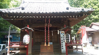 三鷹市の勝渕神社 社殿