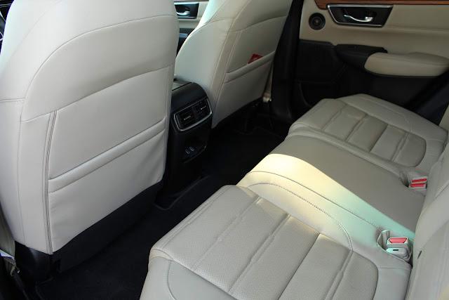 Novo Honda CR-V 2018 - espaço traseiro