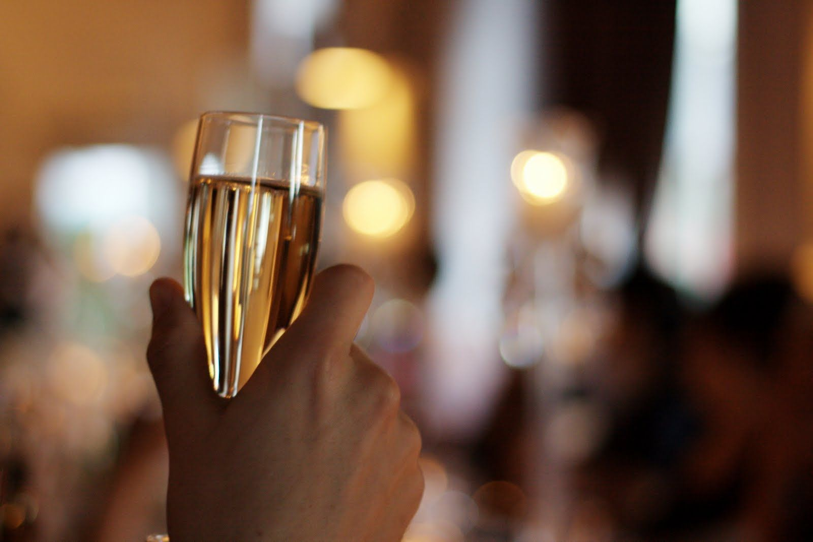 Una copa de champan para dunia montenegro - 2 part 2