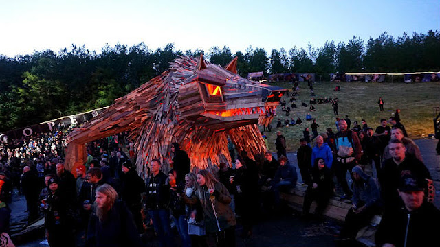Giant wolf Sculptures Out of waste wooden