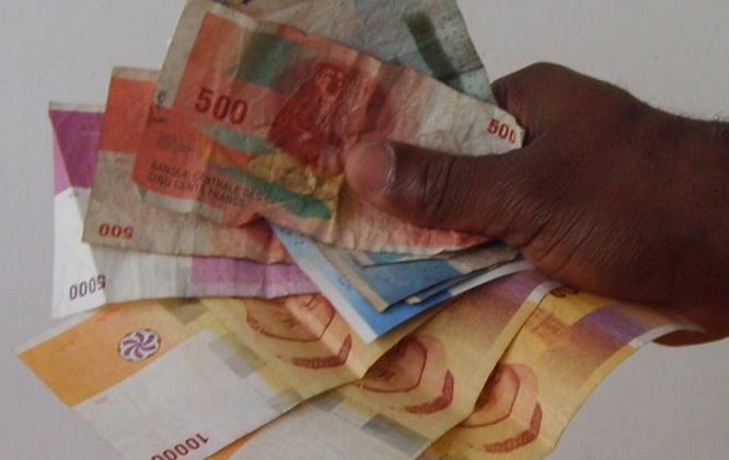 Un taux de change de l'euro à 535 Kmf sur les reçu des envois Western bloque le paiement à Moroni