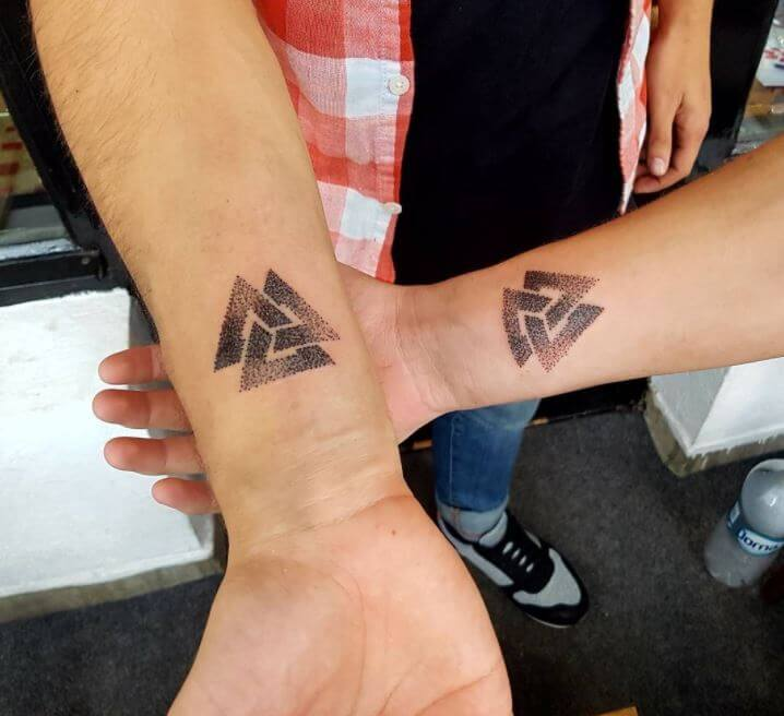 80+ Meaningful Sibling Tattoos For Brothers & Sisters (2019 ...