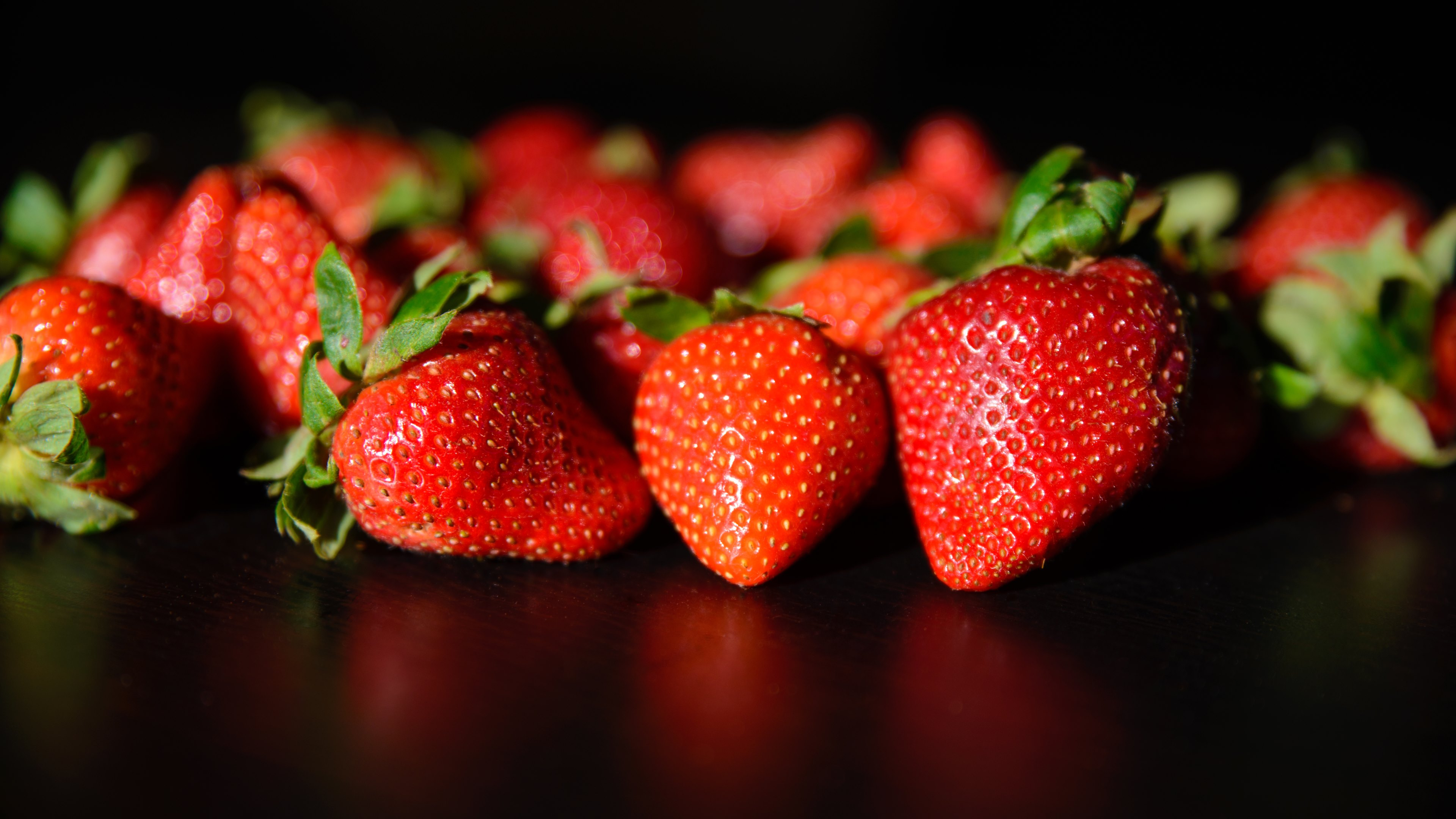 strawberries fruits wallpaper hd wallpapers