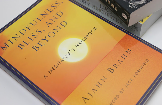 A picture of Mindfulness, Bliss, and Beyond: A Meditator's Handbook by Ajahn Brahm