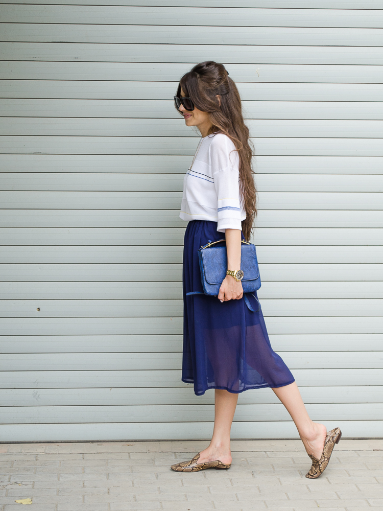 fashion-blogger-diyorasnotes-navy-midi-skirt-asos-bag-zara-loafers