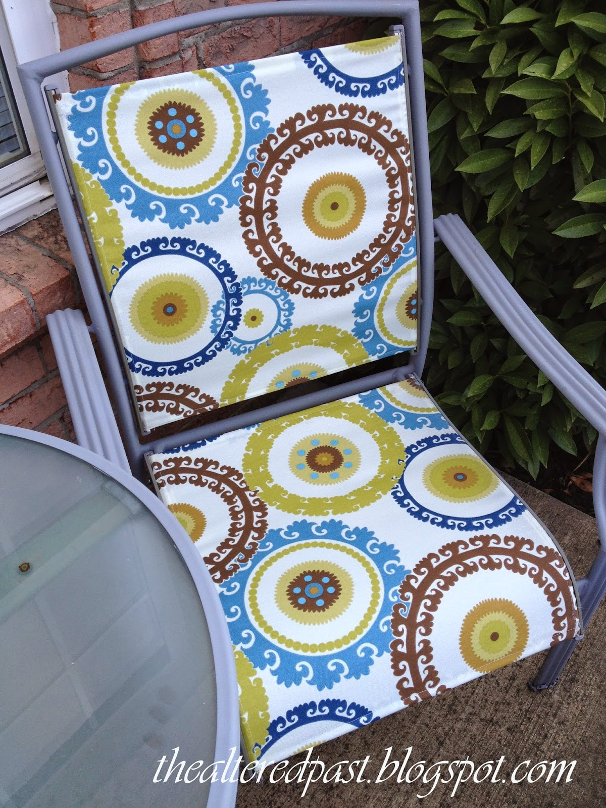 Redo Sling Patio Chairs Chair That Turns Into A Bed Spain Hill Farm Set