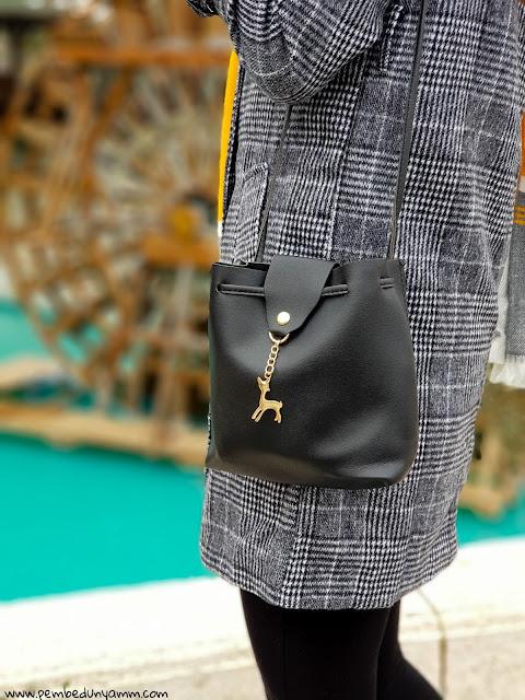 siyah minik çanta