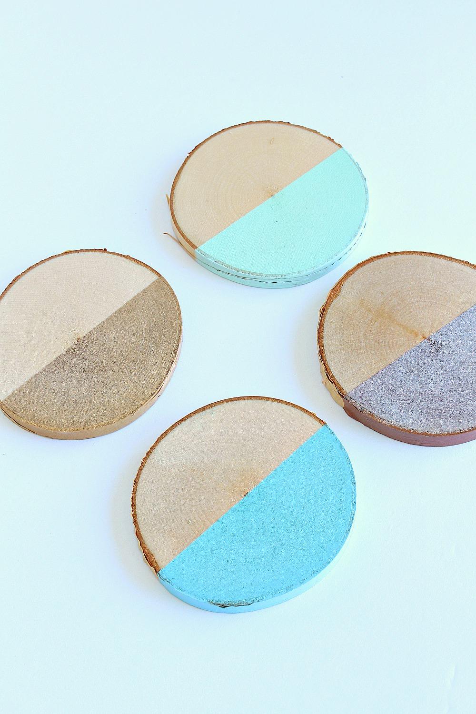 Mint + Metallic DIY Birch Slice Coasters | www.danslelakehouse.com