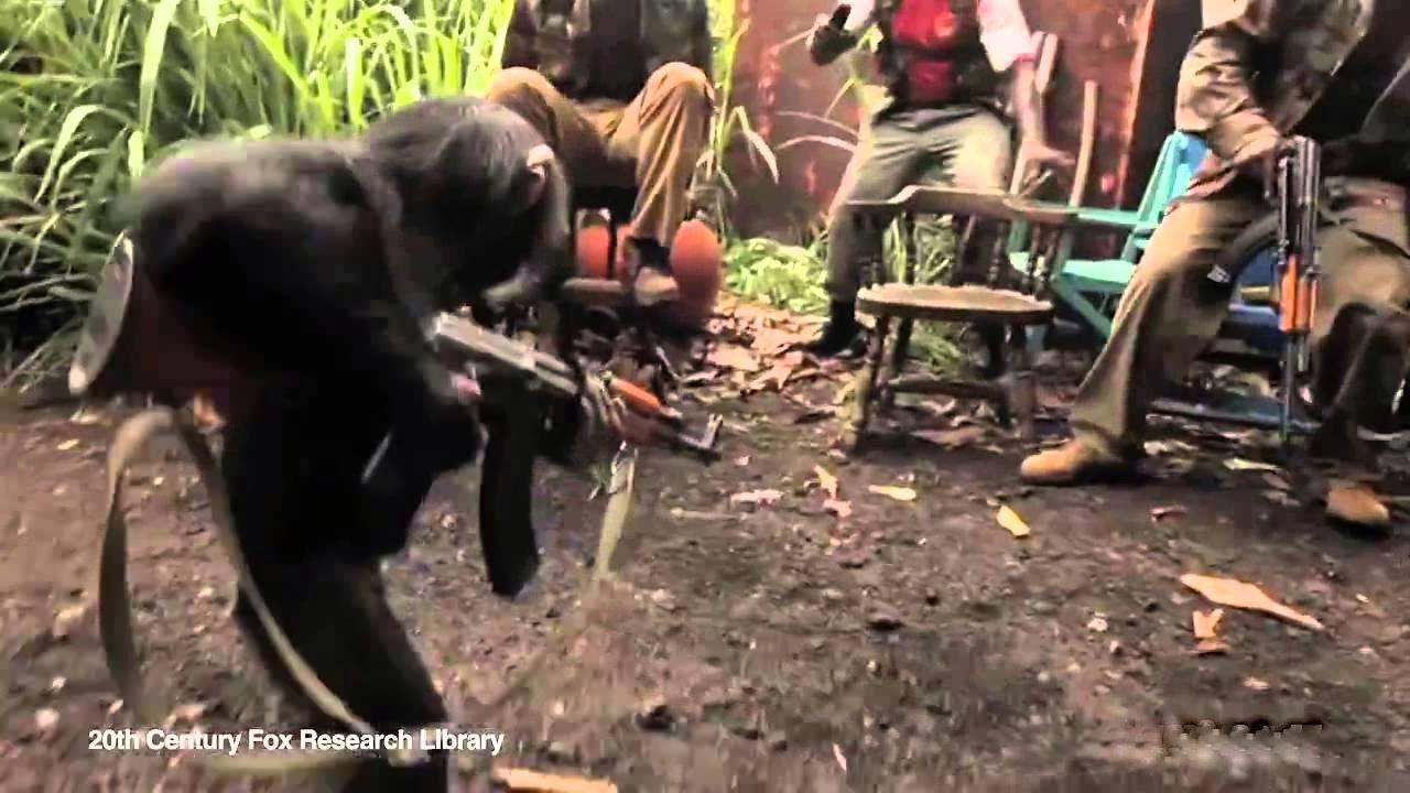 Apestreker med AK-47 | 20 Juli 2012