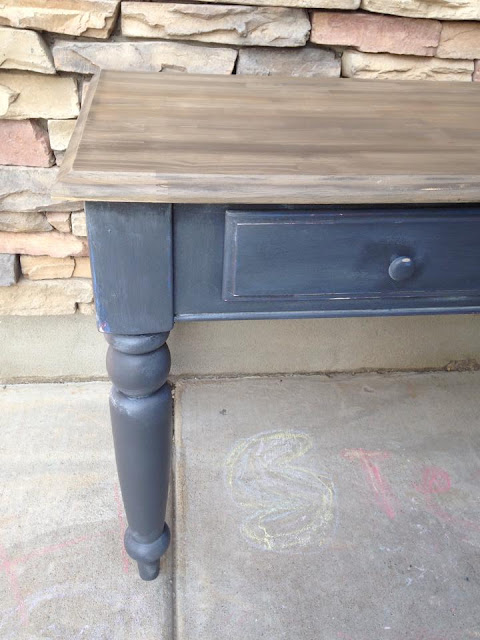 Easy Driftwood Side Table Makeover with #Weatherwood + #ChalkPaint
