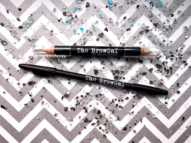 The brow pencils are a 3in1 innovative product. It comes with a spoolie to even out and blend the colors to look natural and realistic and a sharpener that is made from German blade for a high precision cut, put on top as the cap of the pencil (very easy and practical to carry around)! The wooden pencil itself is from Cedar Wood. This product is water resistant. The BrowGal Highlighter Pen in 01 contains Green Tea and Alfafa extract, also, it has 2 tips with a matte and shimmer highlighter. You can use it as a concealer to cover the eyebag or dark circle around the eyes, for strobing technique and of course to sharpen the shape of your eyebrow.  The brow pencil's texture is soft and buttery, blend easily and build-able. The spoolie helps to spread the colors evenly and it helps with the blending on the inner corder of the eyebrow. the highlighter, the texture is creamy and easy to blend. The color pigmentation is medium to high because you can build it.