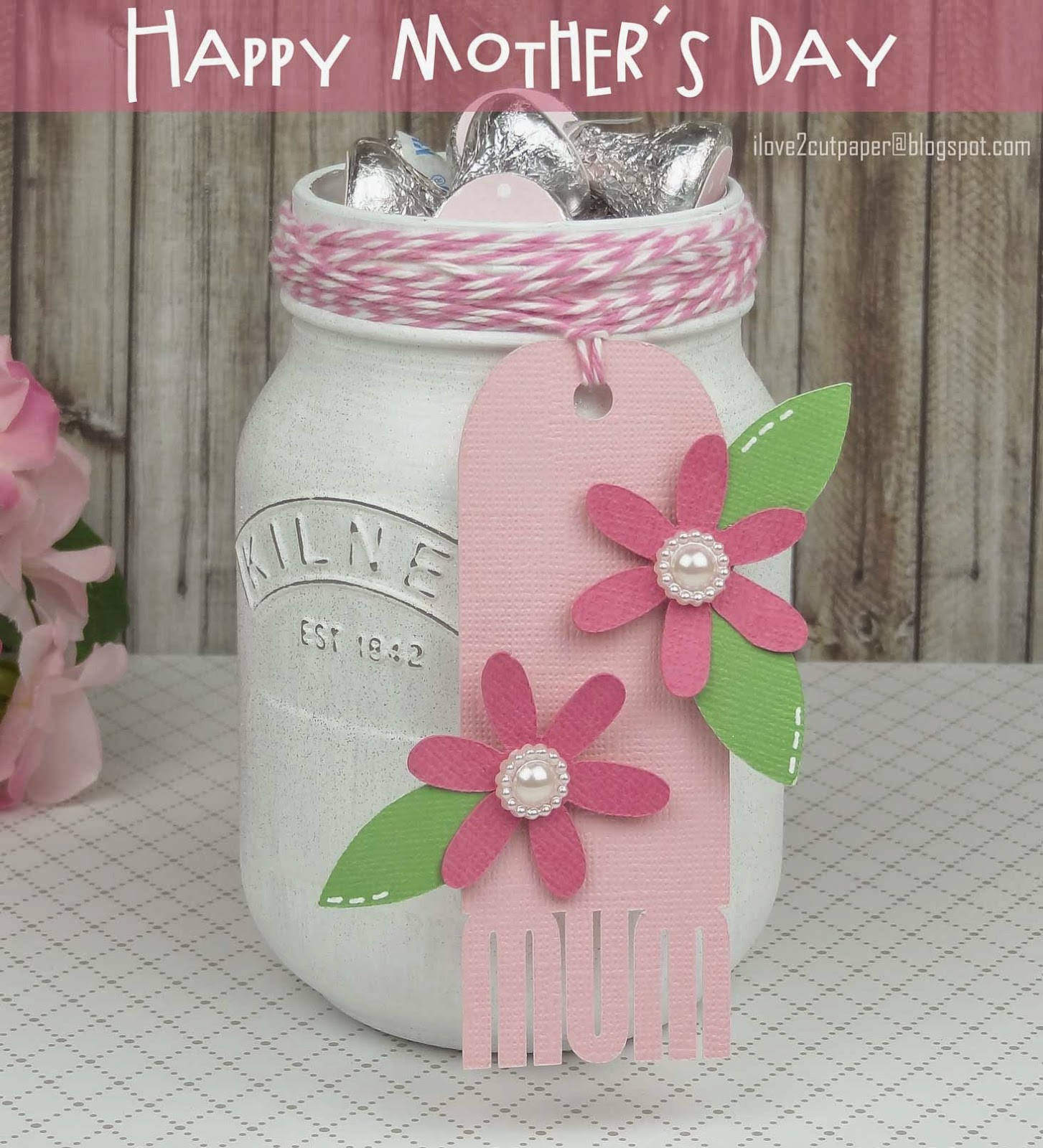 Decorated glass jar and tag using Pazzles cutting machine