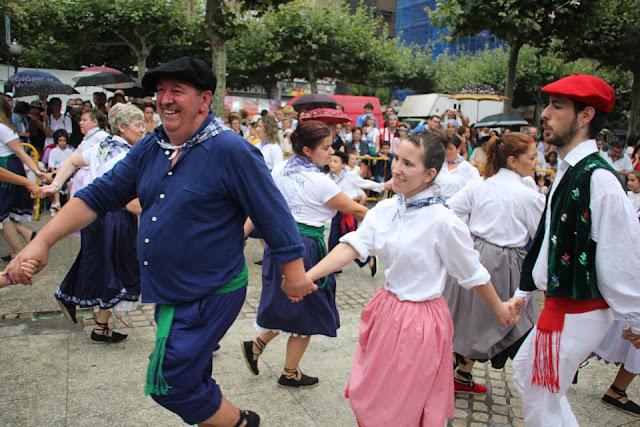 Celebración del 50 aniversario de los grupos de danzas Ibarra-Kaldu y Erreka-Ortu