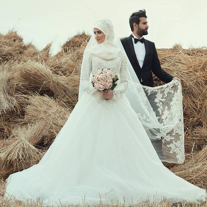 d1fde33a3c0ce فساتين زفاف للمحجبات