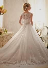 Vestido de casamento com saia bem longa