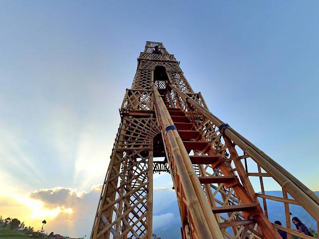 Menara Oemah Bamboo