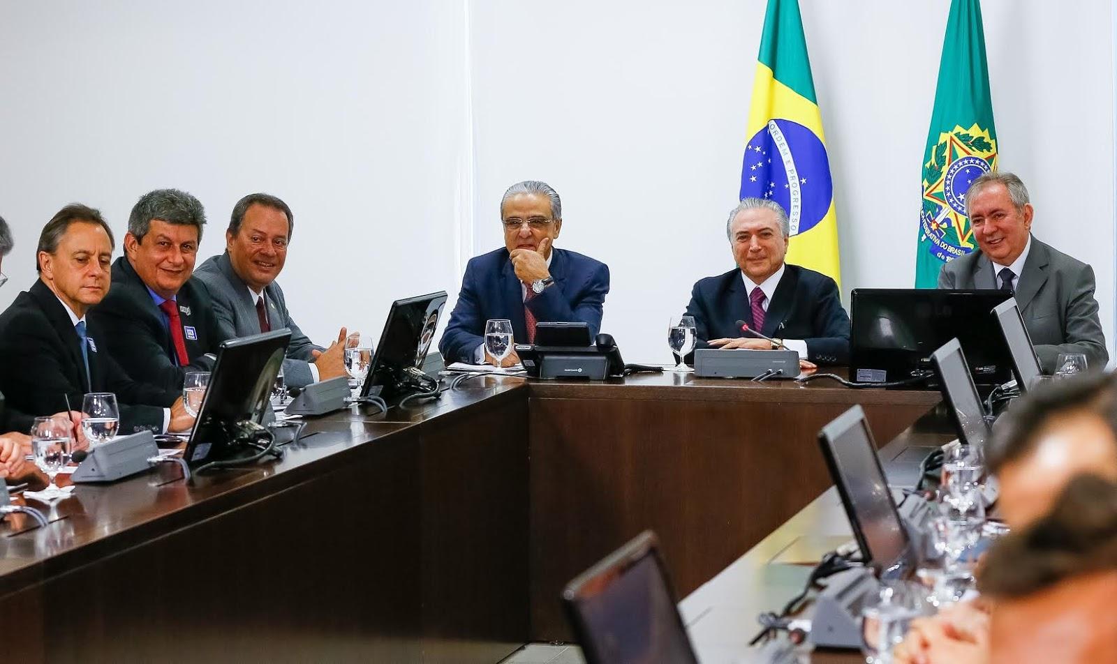 Jornal da parna ba em encontro com presidente temer z for Francisco peluqueros porto pi