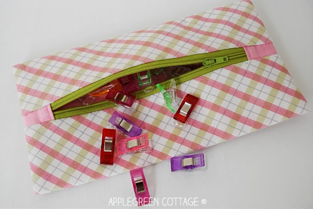 free sewing pattern for zipper pouch