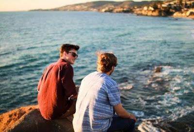 5 Cara Menyikapi Pria Yg Suka Ganjen