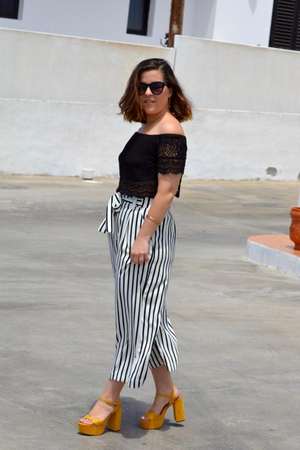 look_crop_top_crochet_pantalones_culotte_lolalolailo_04