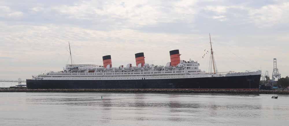 Kummitusjahdissa Queen Mary -aluksella