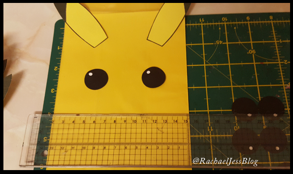 Little white dots to give Pika character