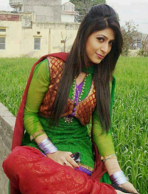 Pakistani girls august 2013 - Punjabi desi pic ...