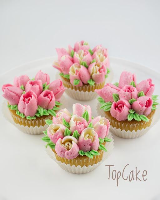 Tulppaanit, Cupcakes, Tulips, Kevät, Kukat, Flowers, Topcake, Tilaus Cupcake, Spring flowers, Butter cream