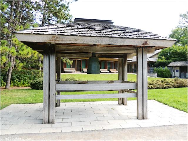 Jardín Japonés del Jardín Botánico de Montreal: Campana de la Paz