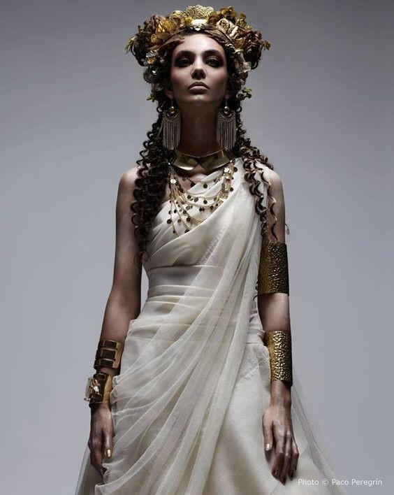 Sensational History And Women Hairstyles Of Ancient Times Short Hairstyles Gunalazisus